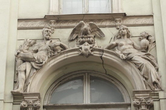 Фасад на улице Фредра  во Львове