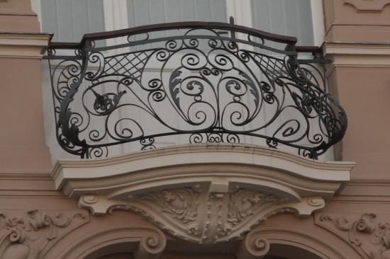 Балкон на улице Академической во Львове