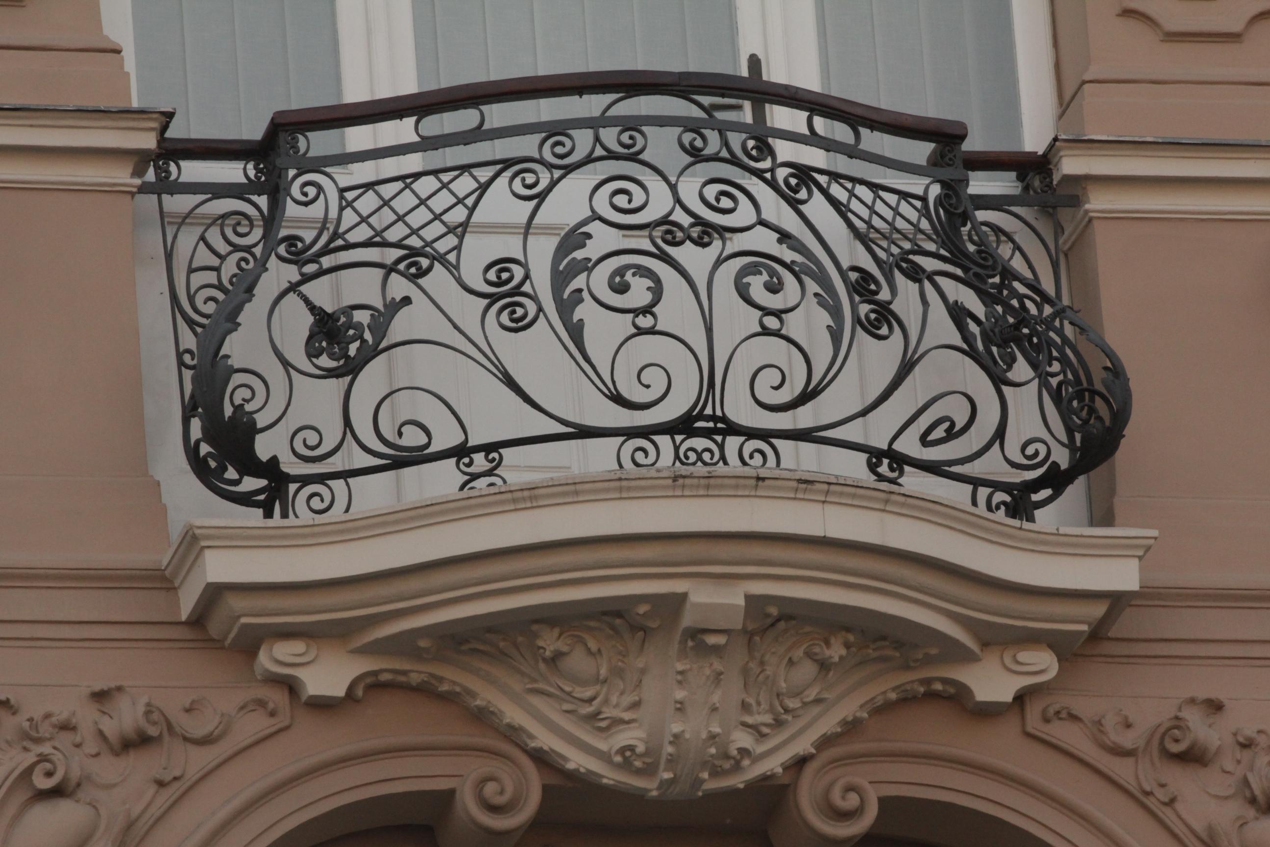Фальш балконы