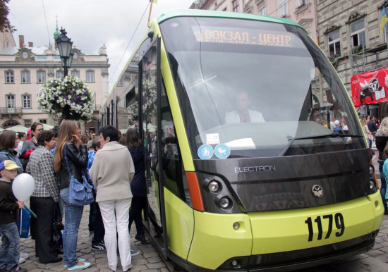 "Новый трамвай ""Электрон"""