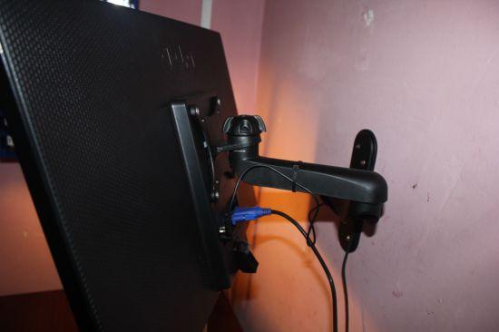 mounting_ ITech_LCD_233B___-IMG_1772