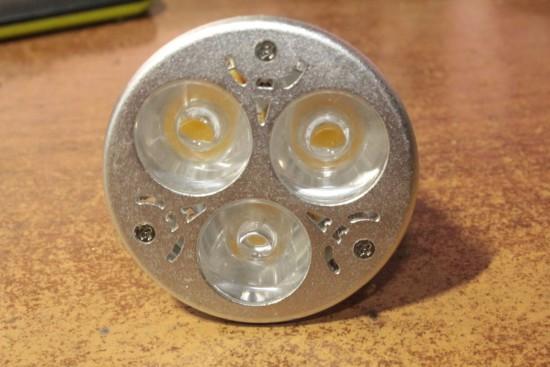 svetodiodnaja-lampa-3-vatta-remont-002