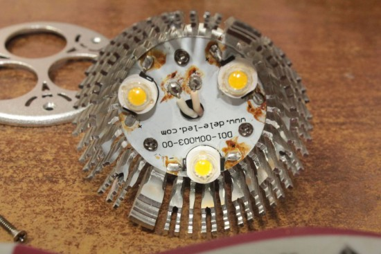 svetodiodnaja-lampa-3-vatta-remont-004