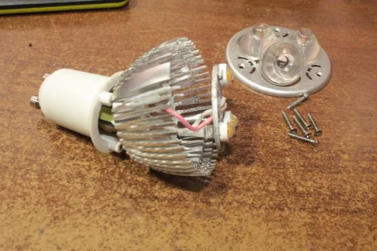 svetodiodnaja-lampa-3-vatta-remont-005