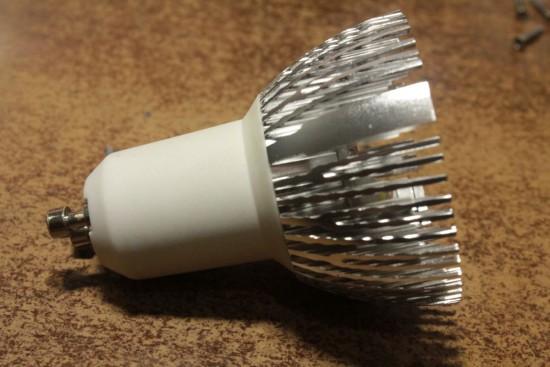 svetodiodnaja-lampa-3-vatta-remont-019