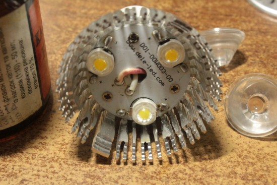 svetodiodnaja-lampa-3-vatta-remont-020